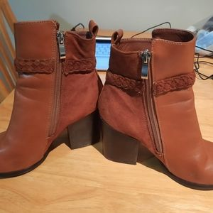 Rebel boots worn once